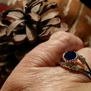 Jewelry - Blue sapphire ring